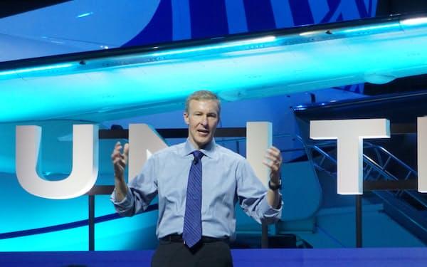 投資戦略を説明するユナイテッド航空のスコット・カービーCEO(29日、米ニュージャージー州)