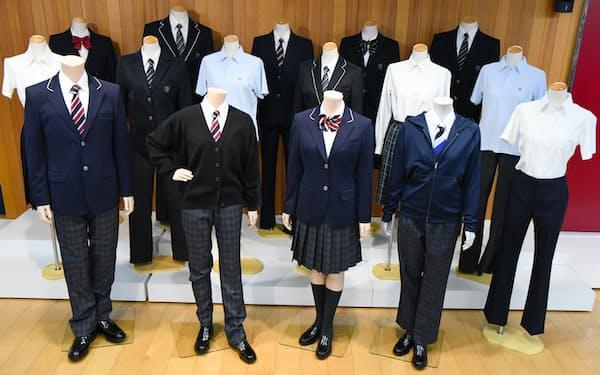 大手学生服メーカーのトンボが展開する「ジェンダーレス」をテーマとした様々な制服。アイテムを性別で分類せず「I型」「Ⅱ型」などと設定、自由に選べる点が好評だという