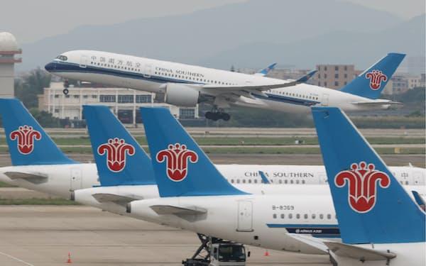 各社の旅客数は復調しつつあるが……(広州市の空港)
