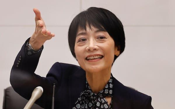 日銀審議委員に就任した中川順子氏(30日、日銀本店=代表撮影)