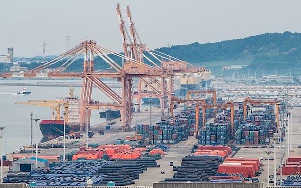 自動車・半導体を中心に輸出額が上向いている(ソウル近郊の平沢港)