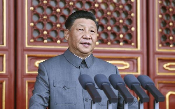 中国共産党創建100年を記念する祝賀大会で演説する党総書記の習近平国家主席=1日、北京の天安門(新華社=共同)