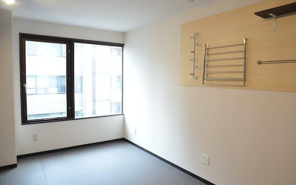 シェアハウスの間取りを活用し、様々なタイプの部屋を用意する(1日、札幌市)