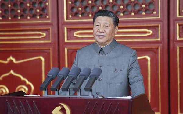 中国共産党100年の祝賀大会で演説する習近平総書記=新華社AP