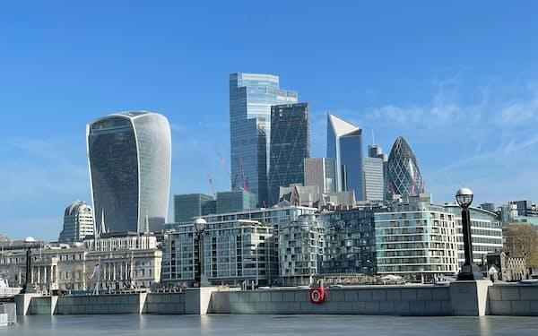 英国はEU離脱で共通の金融免許「単一パスポート制度」を外れた(ロンドン金融街シティー)