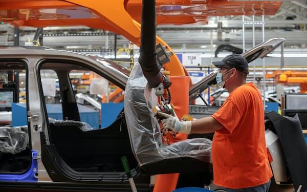 米ミシガン州の自動車組み立て工場=ロイター