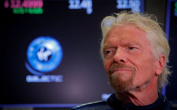11日の宇宙船の打ち上げに乗り込むと発表した英起業家のブランソン氏=ロイター