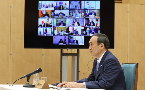 太平洋・島サミットの首脳テレビ会合で発言する菅首相(2日、首相官邸)