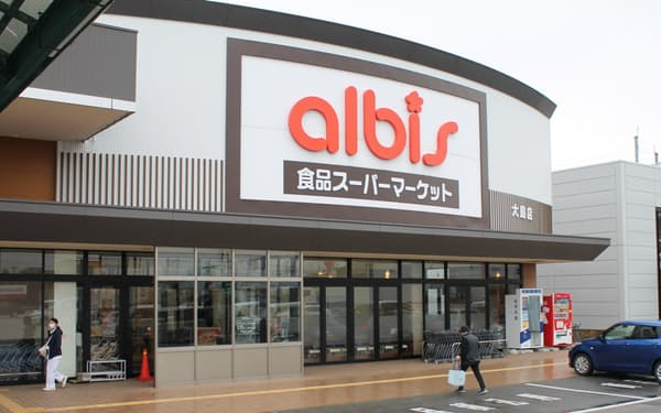 新会社の設立で焼きたてパンの商品開発力を高める(富山県射水市の店舗)