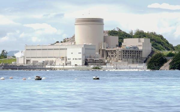 再稼働した関西電力美浜原発3号機(6月23日、福井県美浜町)=共同