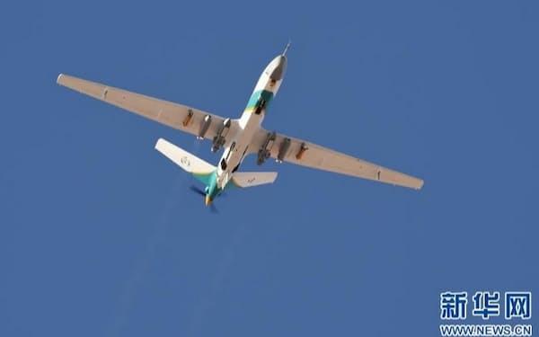飛行に成功した中国初の気象制御ドローン「甘霖-1」(新華社のウェブサイトから)