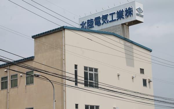 EV用電池の制御システムなどを製品として育成する(北陸電気工業の工場、富山市)