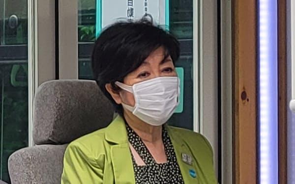 小池都知事の都政運営は協調路線が軸になる可能性がある(7月3日、東京都武蔵野市)