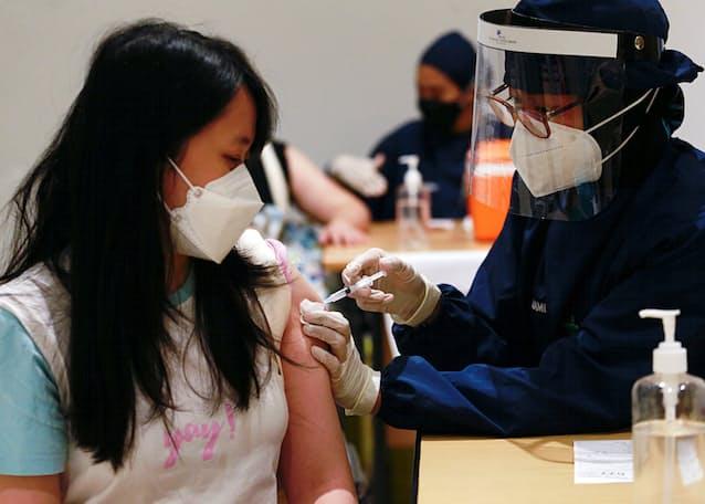 日本 インドネシア 人 コロナ インドネシア在住日本人がコロナ感染、10日間で5人死亡