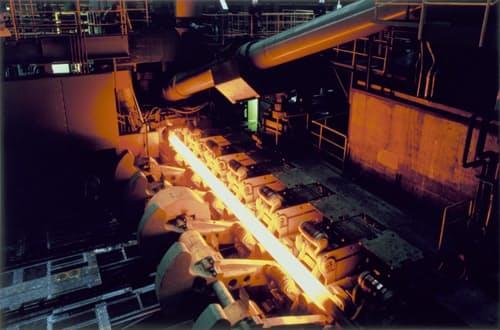 鋼管の需給は引き締まっている(日本製鉄の関西製鉄所和歌山地区)
