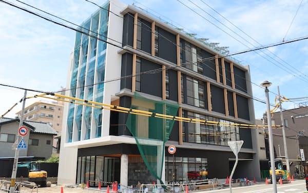 新しい福井本店ビルは技術実証の役割も担う(福井市)