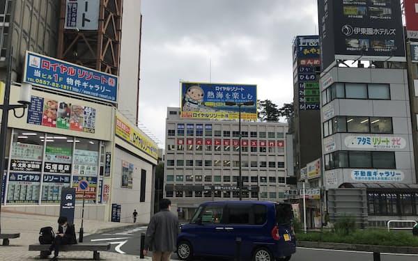 5日のJR熱海駅前の様子