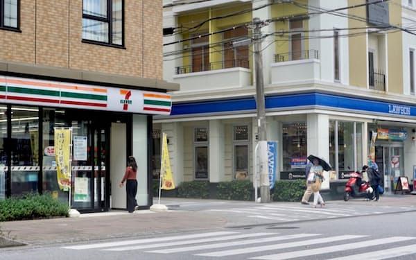 コンビニ各社の店舗が近接する地域も目立つ(那覇市)