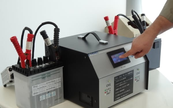 鉛バッテリーを再生する「ツイン・パルス・チャージャー」