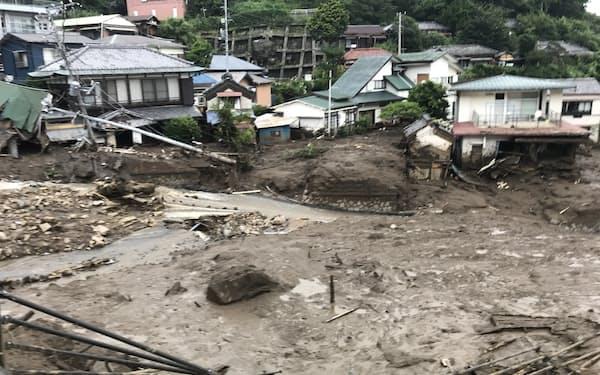 土石流の被害を受けた施設をいかに復旧するかが課題になる(5日、静岡県熱海市)