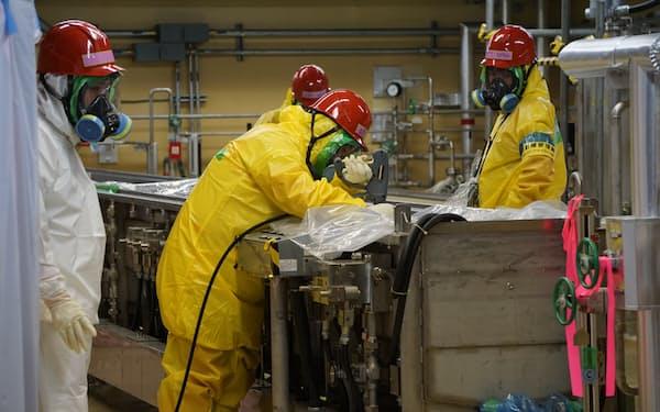 福島第2原発で廃炉作業が始まった(核燃料物質による汚染の除去作業の様子)