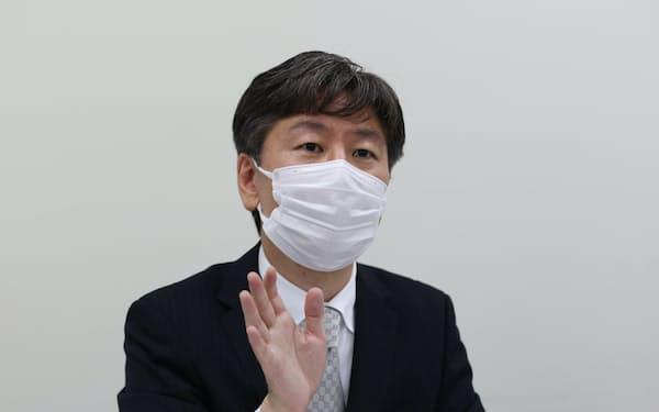 上場会見で話すBCCの伊藤一彦社長(6日、東京証券取引所)