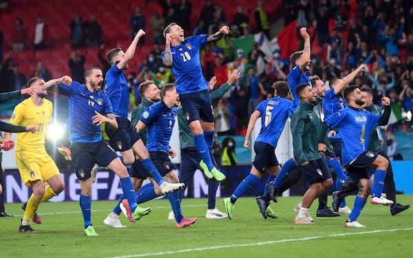 サッカー欧州選手権、イタリアがPK戦でスペインを制し決勝進出(6日)=ロイター