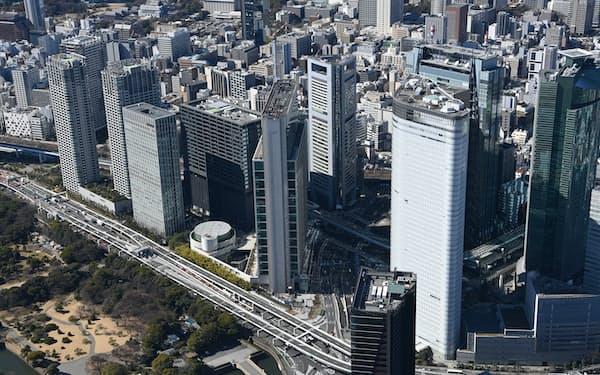 2023年にオフィスの大量供給が控える(東京・汐留のビル群)