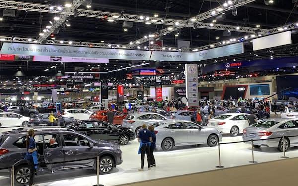 東南アジアは新車市場の減速感が強まっている(3月、バンコク)