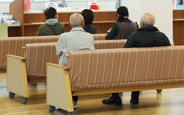 一部の病院に外来患者が集中している