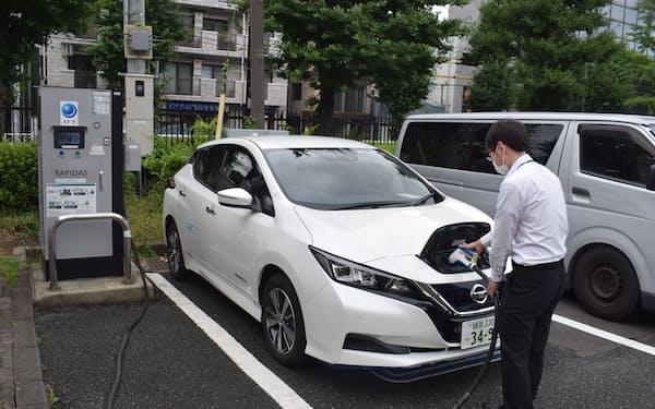 東京都は公用車のうち乗用車を24年度末までに全て電動車にすることをめざす(渋谷区)