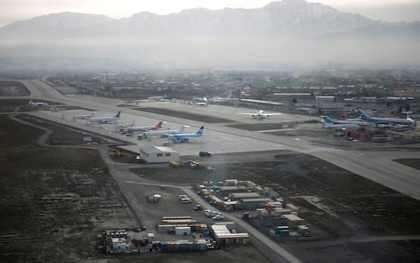 アフガニスタン・カブールの空港の警備について、米軍とトルコは引き継ぎに向けて協議している=ロイター