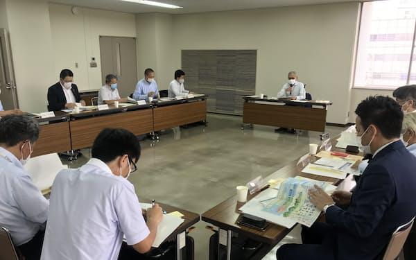 静岡市や市内企業から13人の役員・委員を選出して開いた(8日、静岡市)