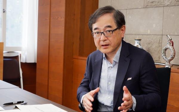 北海道大学の宝金清博学長