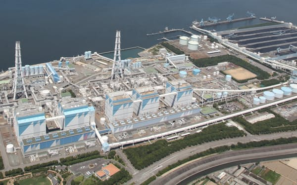 JERAは石炭にアンモニアを混ぜた火力発電の実証を開始した(碧南火力発電所、同社提供)