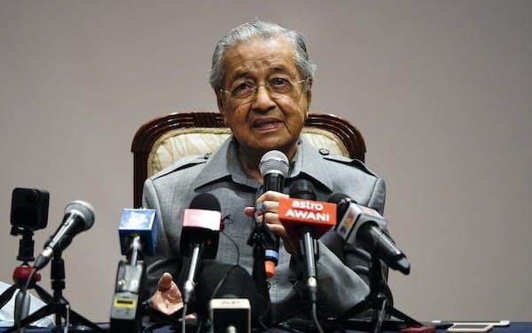 95歳のマハティール氏は新党をテコに、求心力の回復を狙う=AP