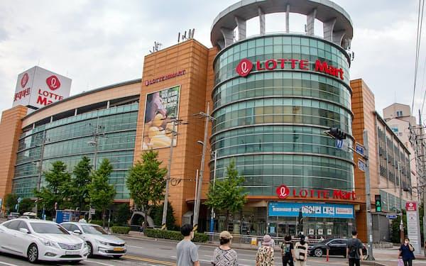 ロッテは大型スーパーを韓国で展開する