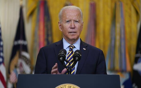 8日、バイデン米大統領はアフガニスタン戦争の目的を達成したと強調した(ホワイトハウス)=AP
