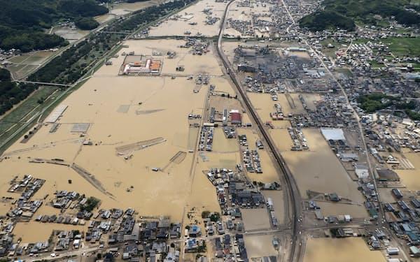 大規模な浸水被害が発生した岡山県倉敷市の真備町地区(2018年7月)
