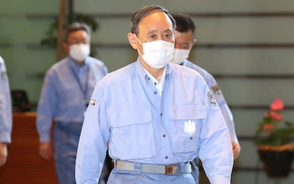 熱海の被災地視察を終え、首相官邸に戻った菅首相(12日)