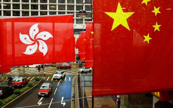 中国の香港への締め付けが厳しくなっている(6月下旬、香港)=ロイター