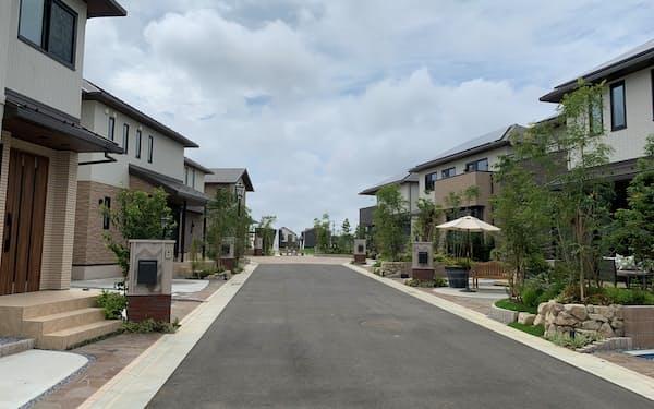 トヨタホームの郊外分譲地は開放感や豊かな自然が売りだ(千葉県印西市)
