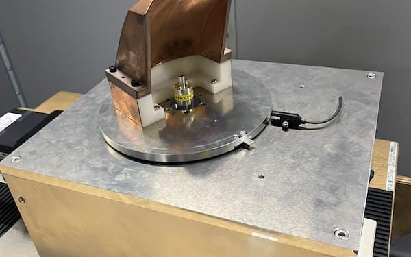 ソフトバンクが試作した6G向け「テラヘルツ波」の送信アンテナ