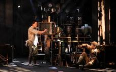 人間の地肌に戦争責任映す演劇 新国立劇場「反応工程」