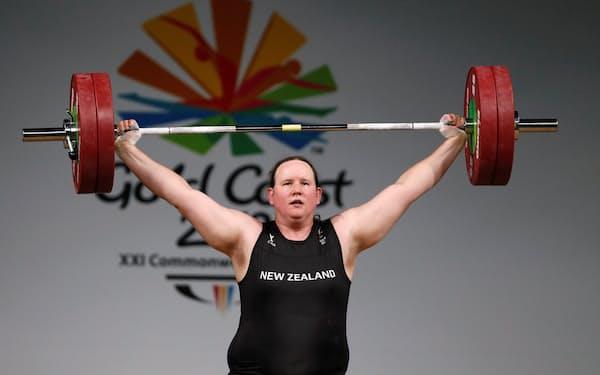 2日の重量挙げ女子87キロ超級に出場予定のローレル・ハバード=ロイター
