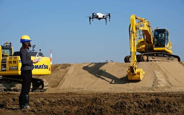 コマツは建設現場の状況を3次元で把握できる自社サービスを自動走行に生かす