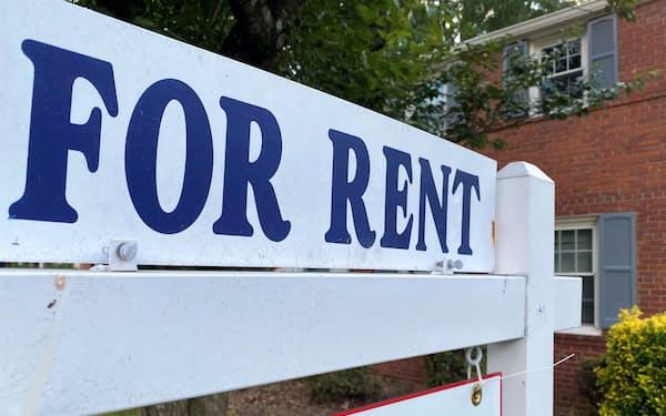 賃貸住宅の立ち退き猶予措置が7月末に終わる(米バージニア州)=ロイター