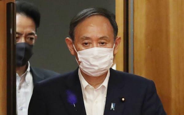 首相は「最優先にすべきは新型コロナウイルス対策だ」と強調した