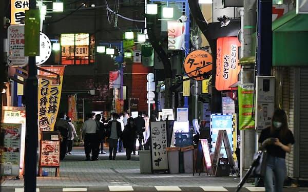 閑散とする飲食店街(7月上旬、東京都千代田区)
