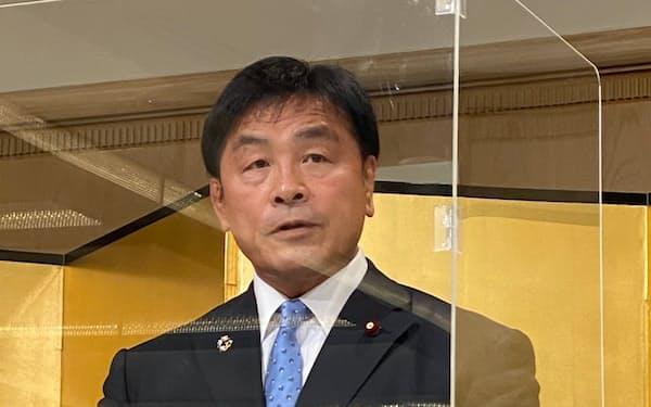 来春の石川県知事選挙への出馬を表明した馳氏(19日、金沢市)